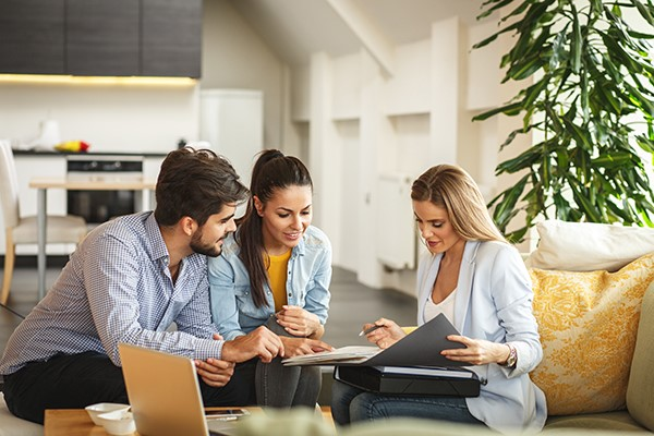 If you are selling a house or condo in Montreal, get help from an experienced real estate broker to sell fast for the best price