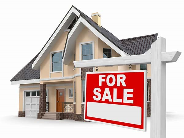 It takes less time to sell a house for the highest price possible when you have a real estate expert working for you