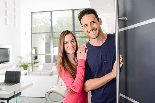 Schedule visits with your tenants to make interviews with buyers positive and smooth.
